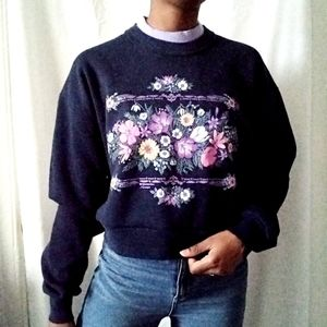 MORNING SUN | Navy Floral Crop Crewneck